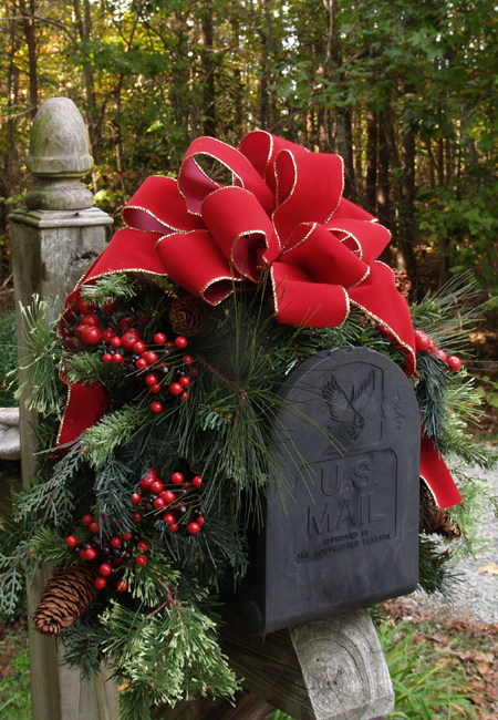 Outdoor Holiday Mailbox Swag with Bow CR1022 Decorations-Pine - Click Image to Close