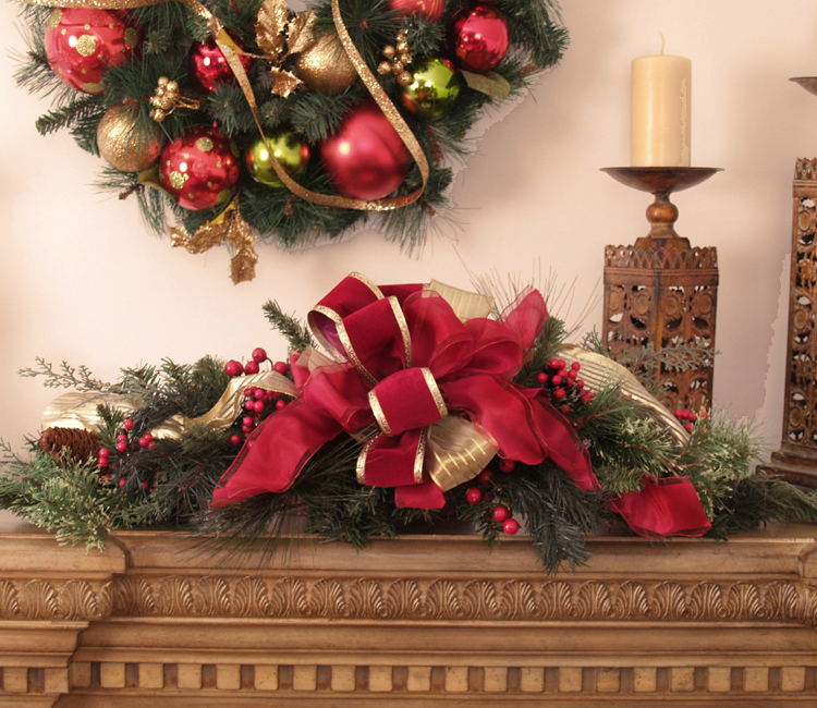 Christmas pine and berry centerpiece with bow cr1028 for California floral and home christmas decorations