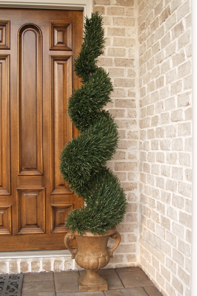 Browse Through Our Huge Selection Of Realistic Looking Boxwood Topiaries Cedar Topiaires Cypress Ivy In Cone Ball And Sprial Shape
