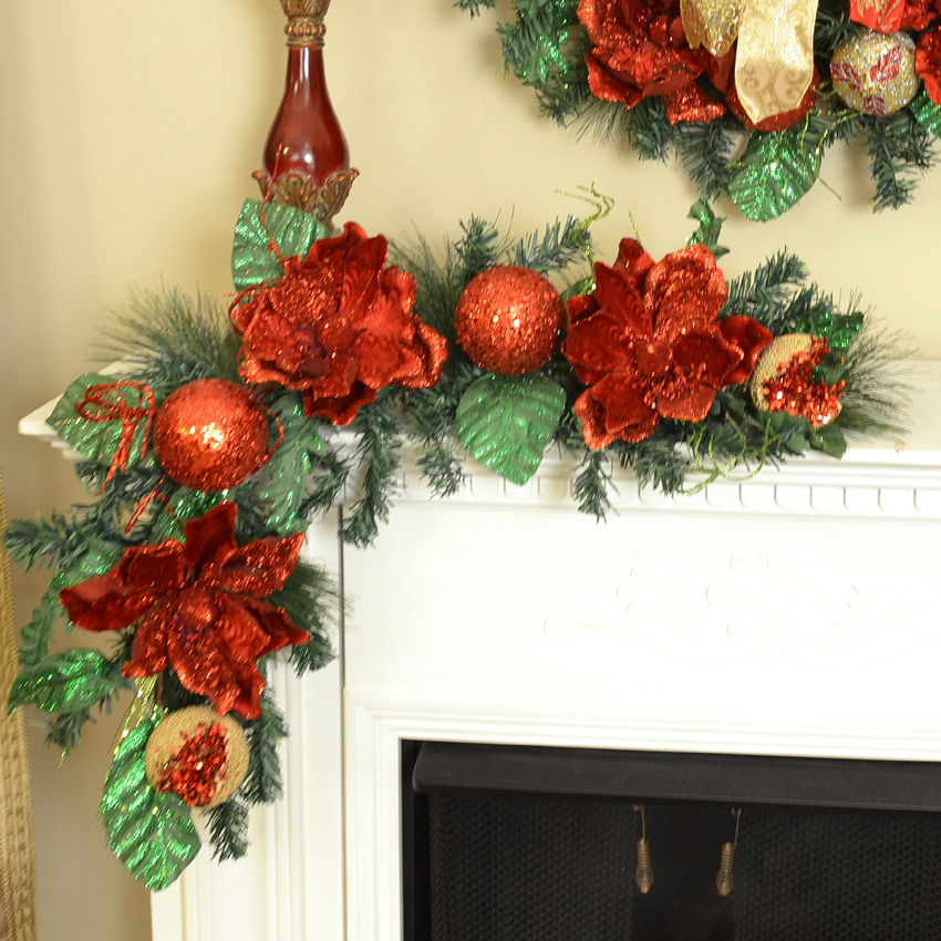 red magnolia christmas wreath with ornaments cr1302